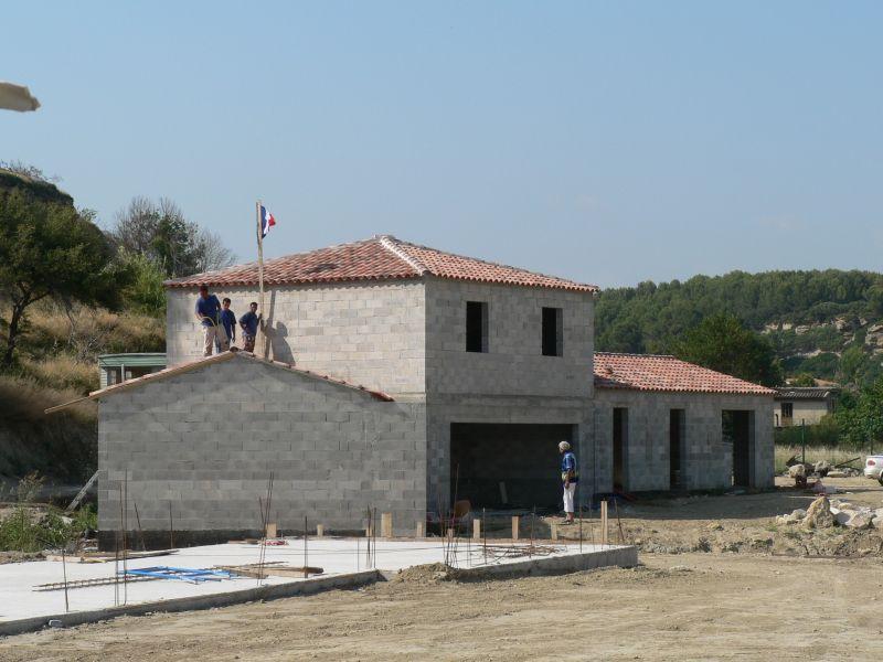Construction de maison traditionnelle istres for Regle de la petanque provencale